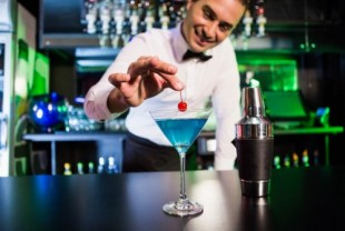 A Toast To Bigger Earnings: Bartending Affiliate Programs!